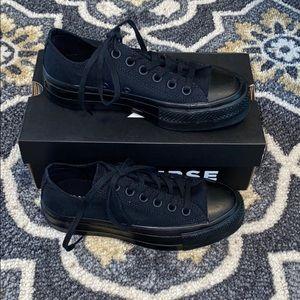 Black on black converse women's size 6